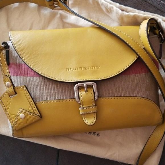 Burberry Handbags - Burberry crossbody bag